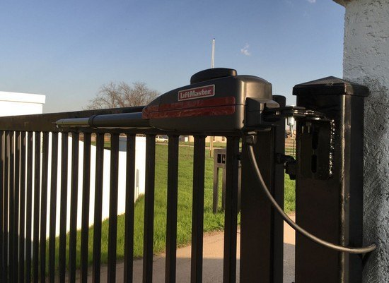 Should You Install an Automatic Cantilever Gate?