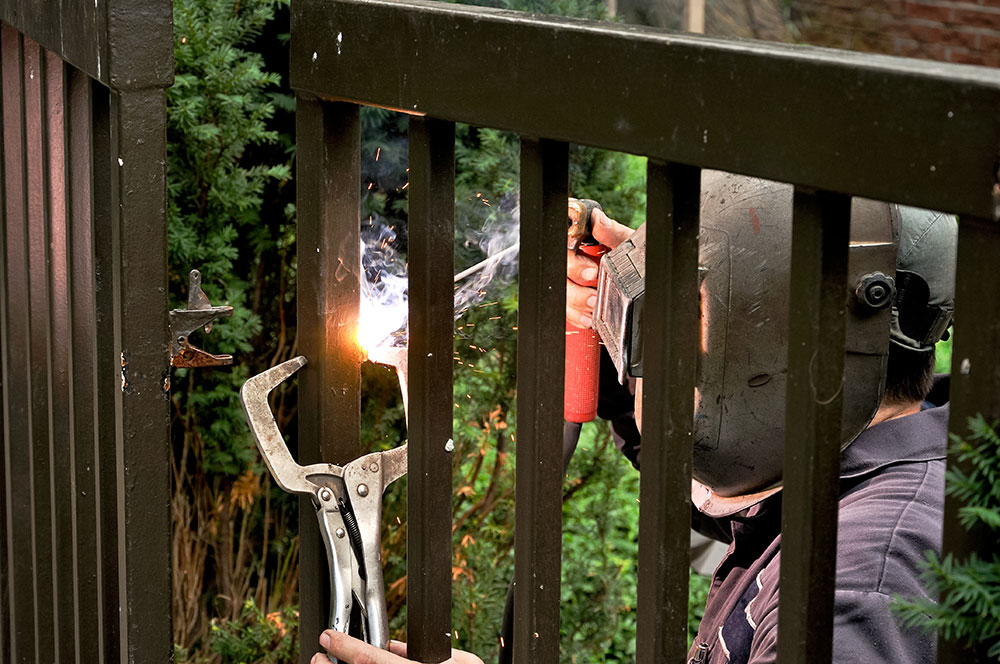 5 Signs You Are Working With a Good Gate Contractor
