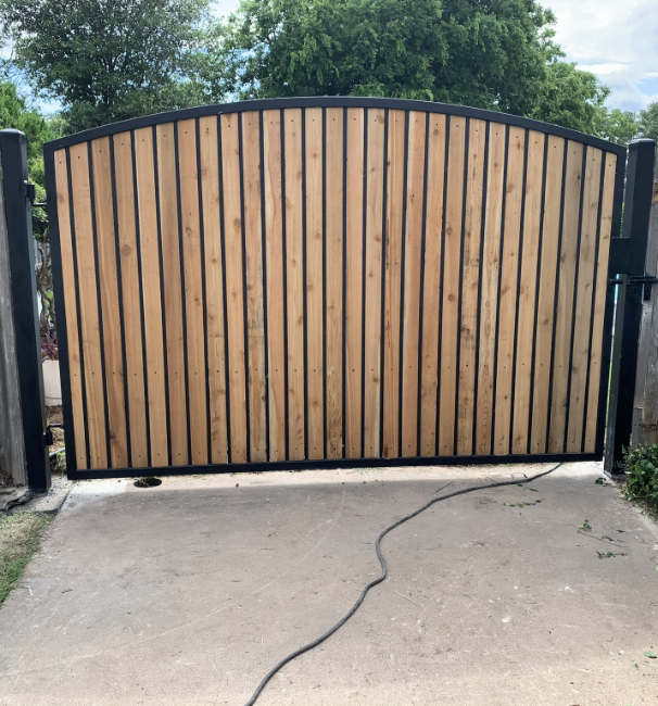 light wooden electric gate in Southlake Texas
